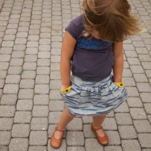 Lotta skirt kids
